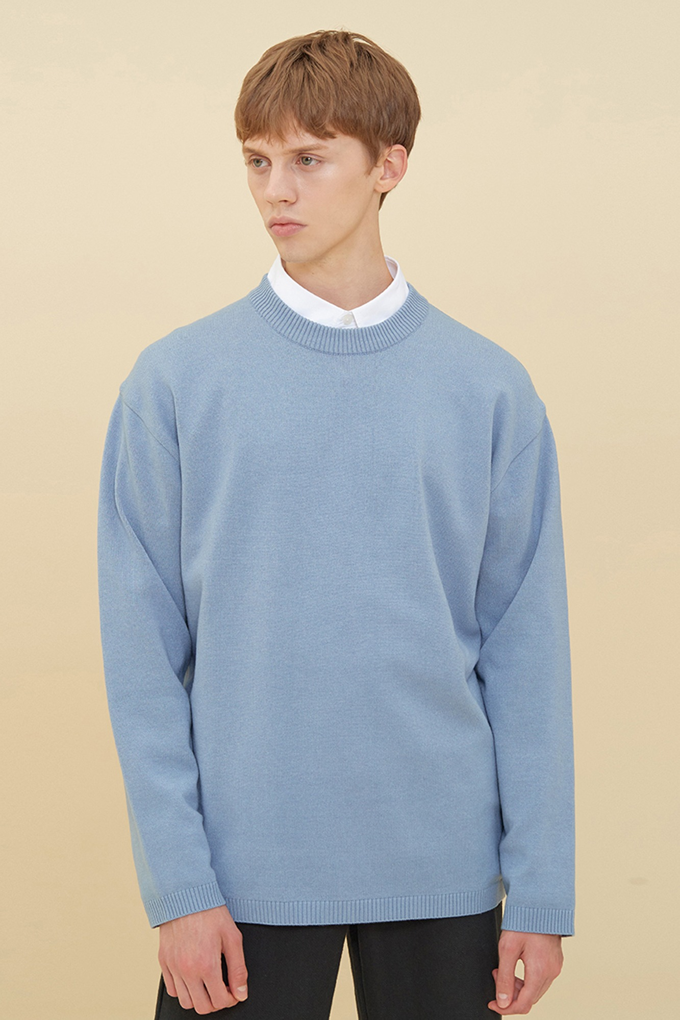 SEMI OVER-FIT ROUND NECK SWEATER_SKY BLUE